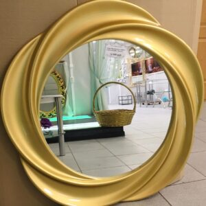 Зеркала в декоративных рамах